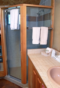 Grevy cabin bathroom